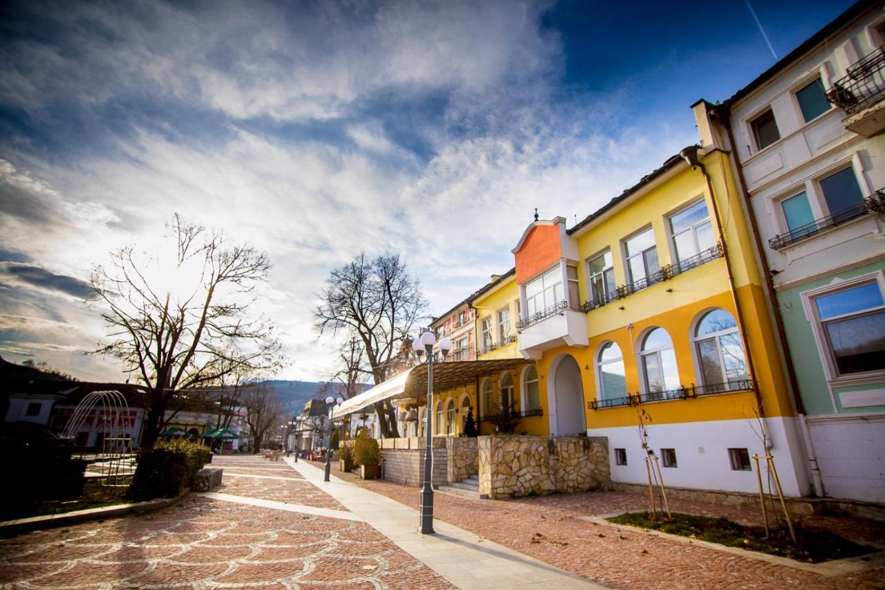 Old City Square Apartment Lovech Obnoveni Ceni 2020