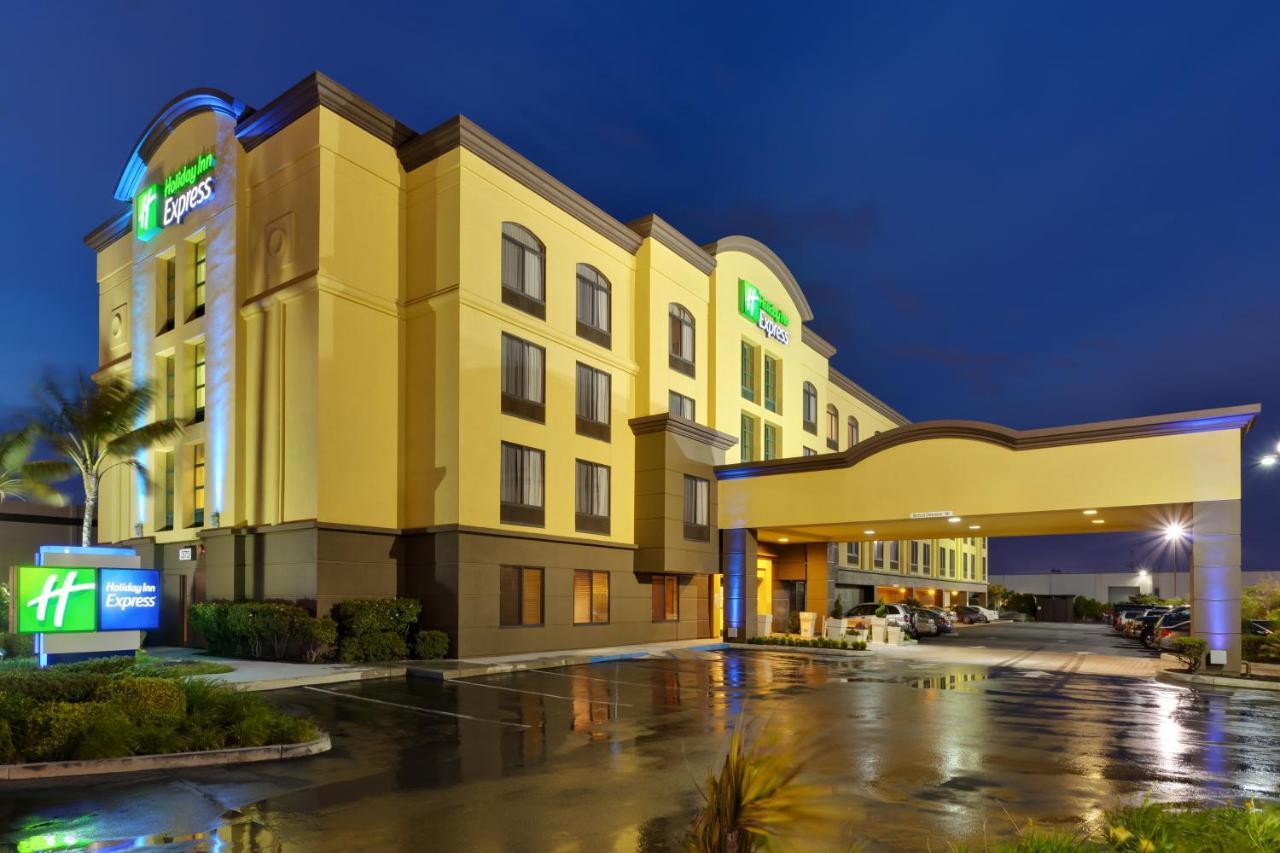 Отель  Отель  Holiday Inn Express San Francisco Airport North