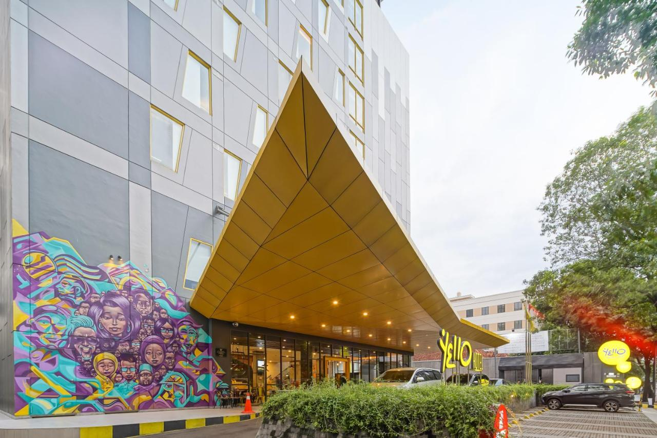 Фото  Отель  Yello Hotel Manggarai