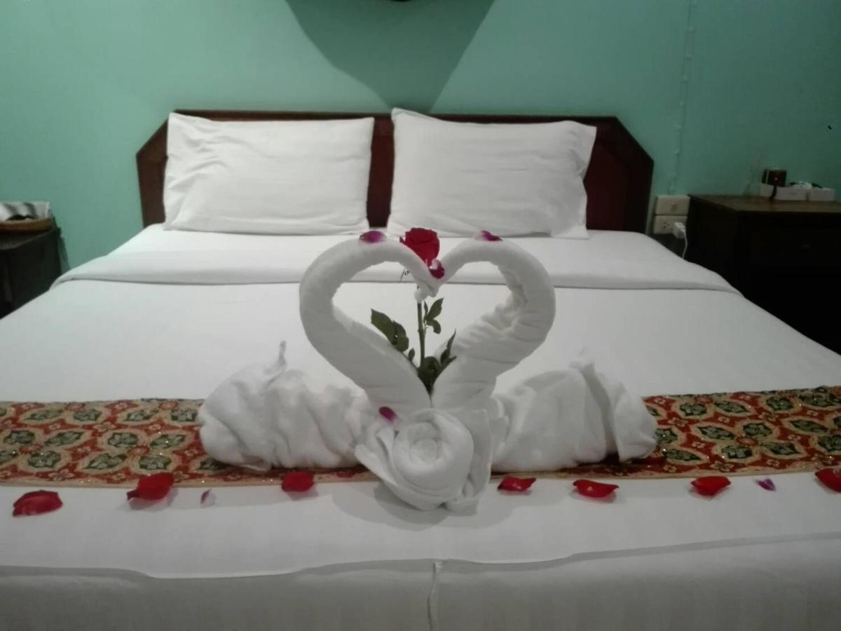Отель  Super Green Hotel