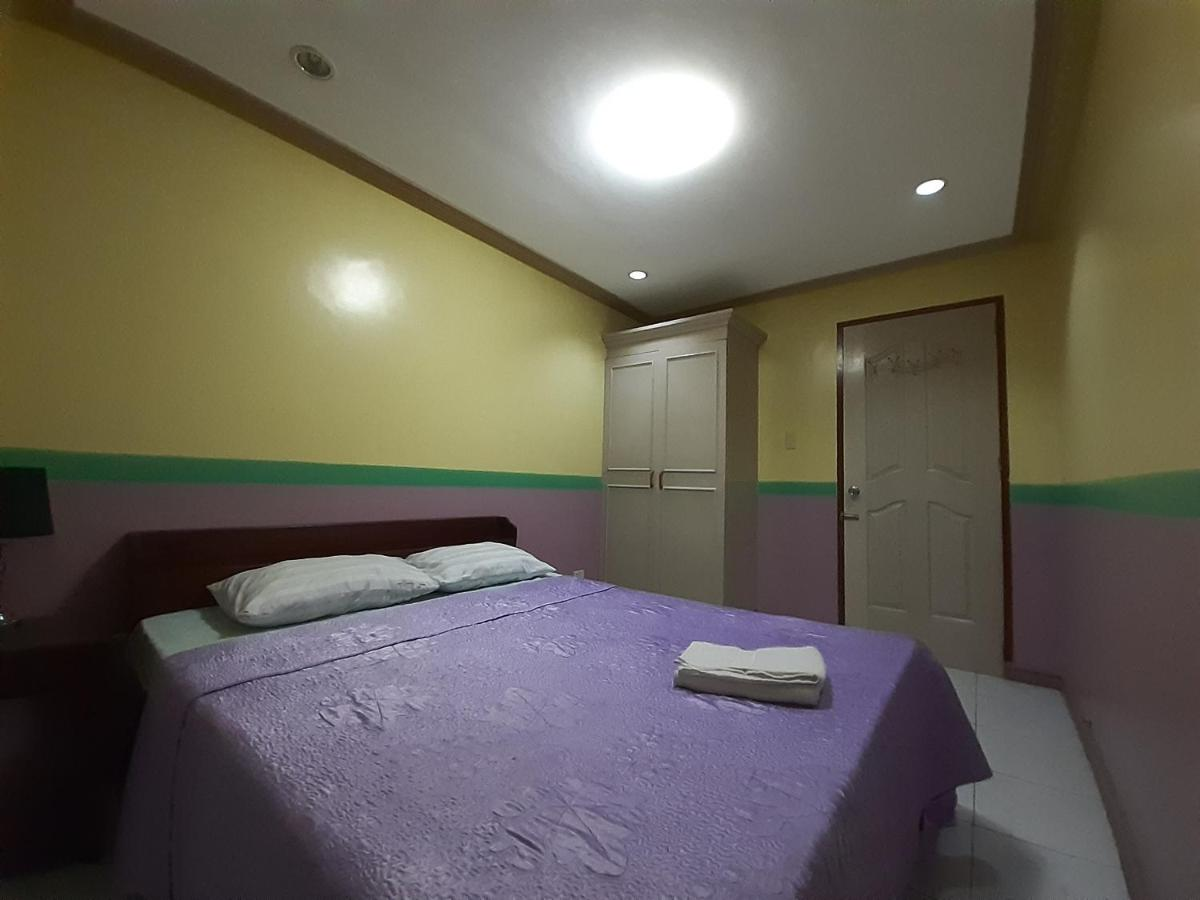 Отель  LP Hotel And Resto Bar