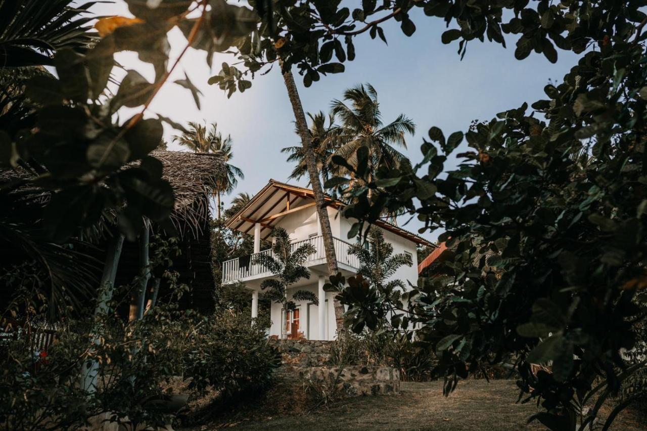 Отель типа «постель и завтрак»  Hiru Villa Tangalle