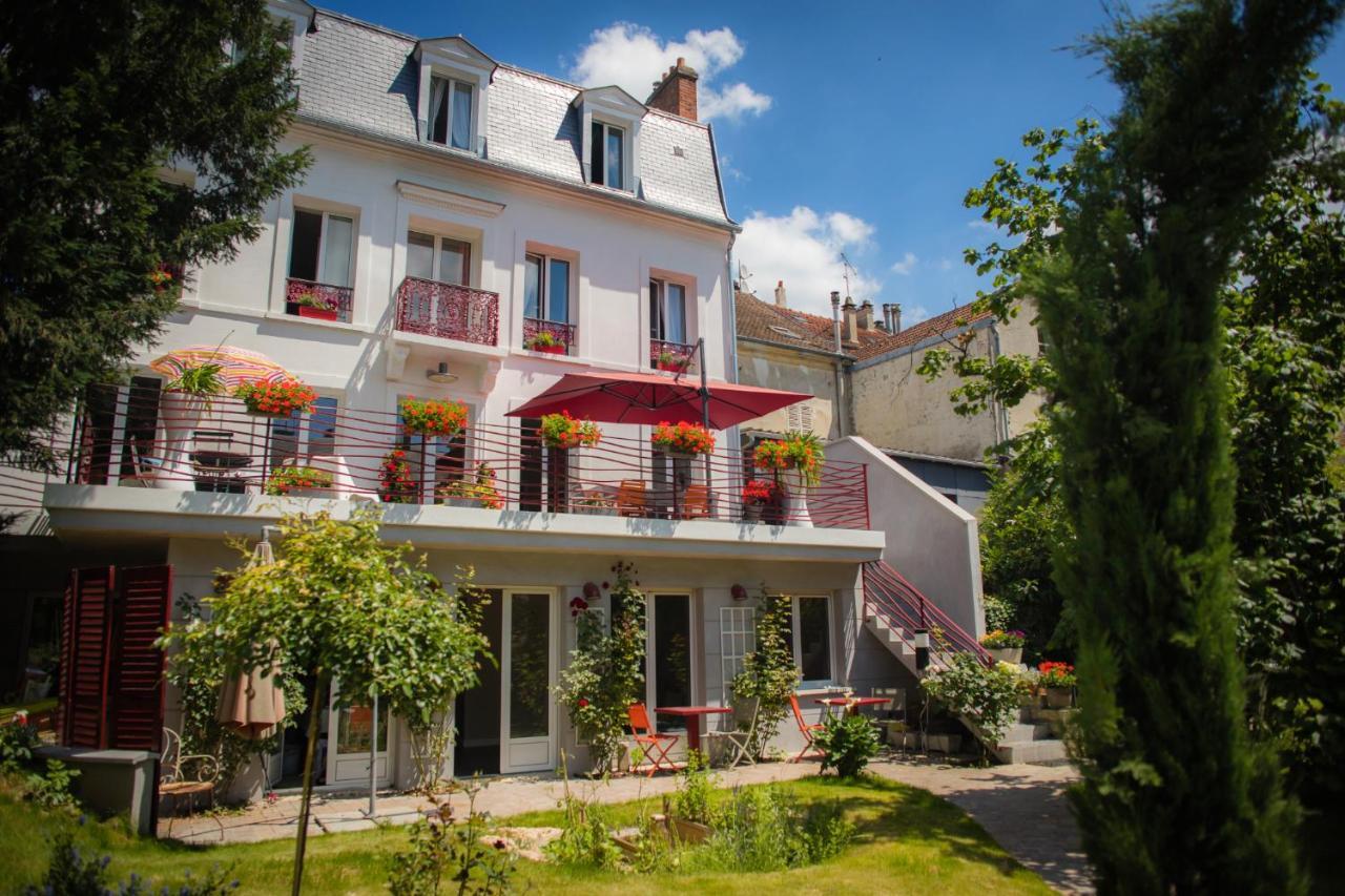 Triel Sur Seine Fr guesthouse le jardin des toiles, triel-sur-seine, france