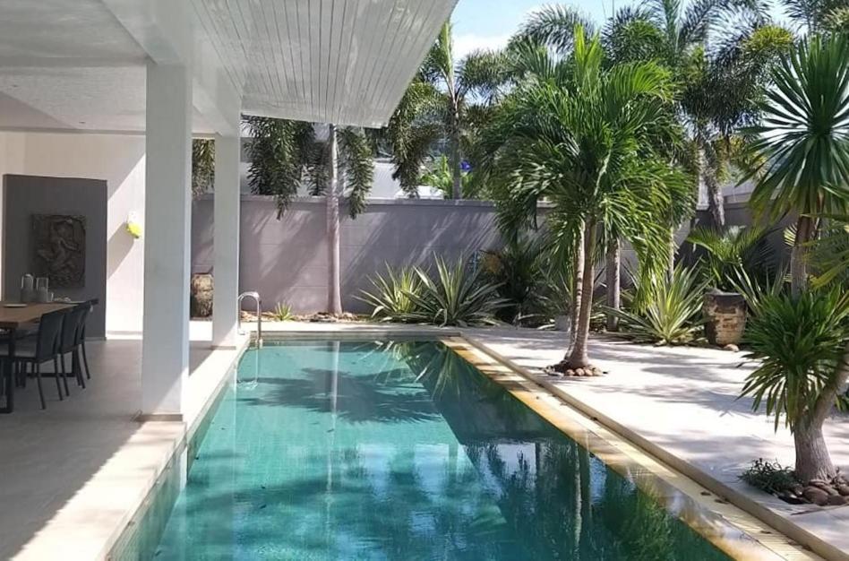 Вилла Thanya Pool Villa