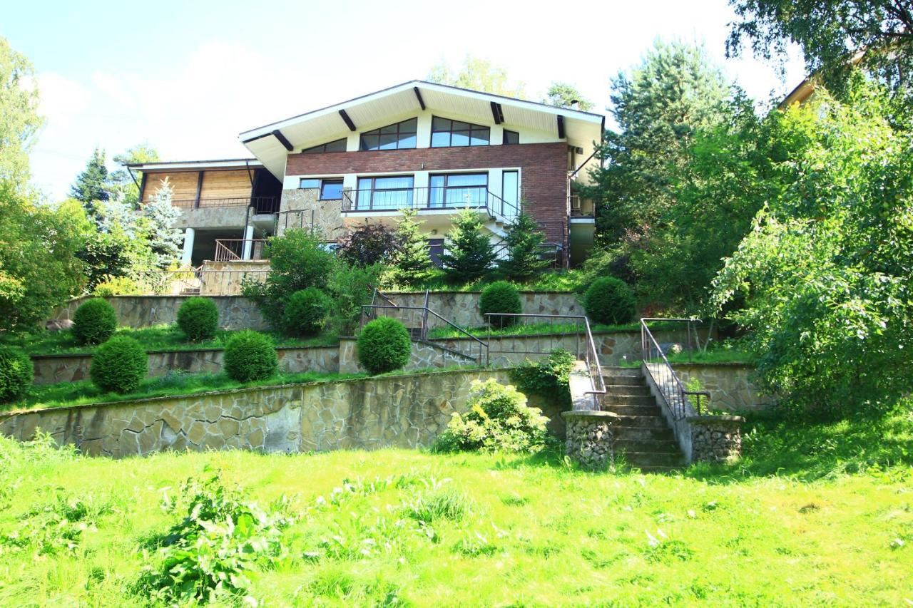 Дом для отпуска  Коттедж Воейково