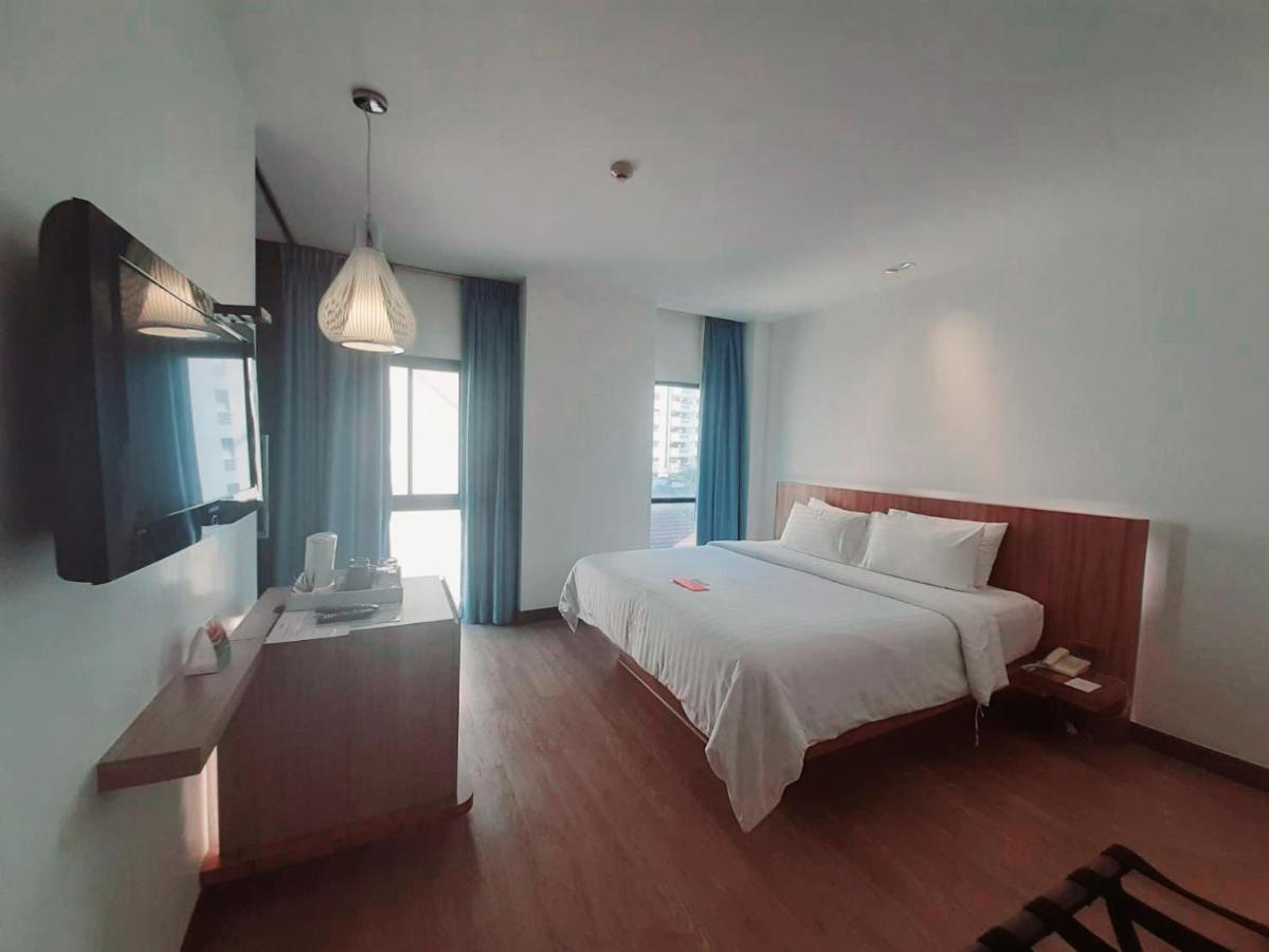 Naam Van Japanse Bedbank.Sacha S Hotel Uno Thailand Bangkok Booking Com