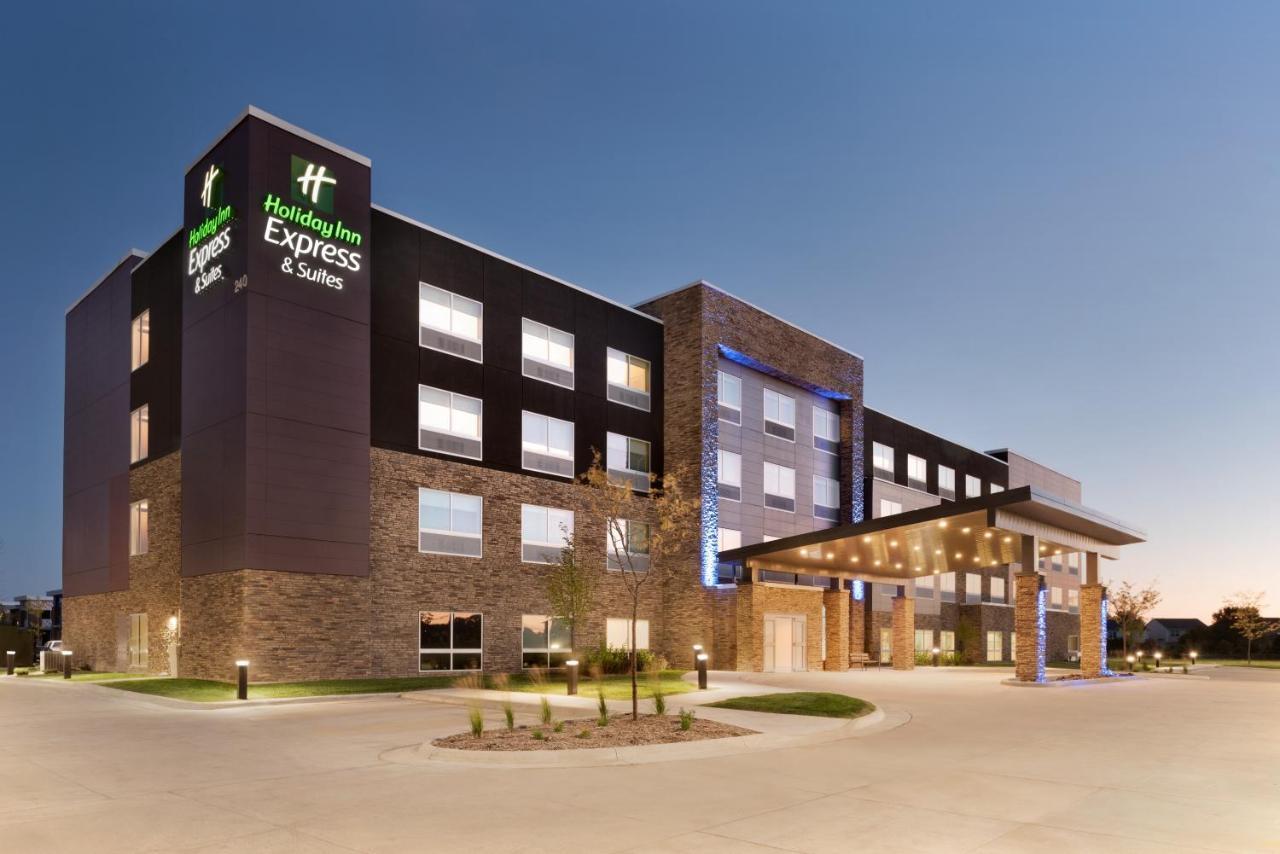 Отель  Отель  Holiday Inn Express & Suites - West Des Moines - Jordan Creek