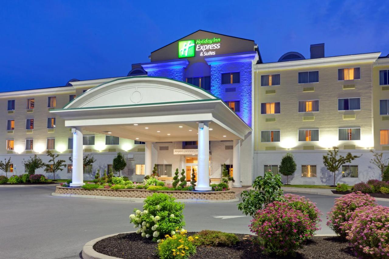 Отель  Отель  Holiday Inn Express Hotel & Suites Watertown - Thousand Islands