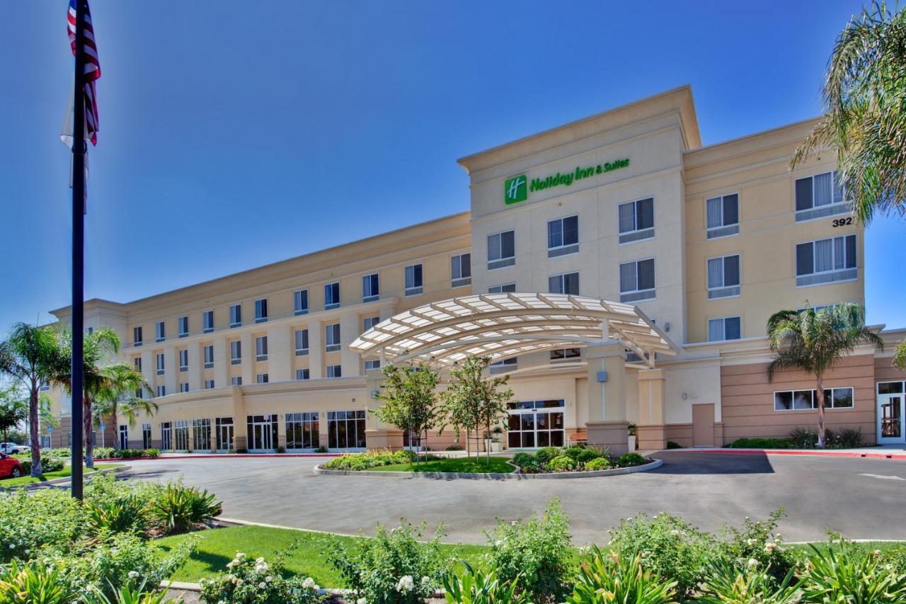 Отель  Отель  Holiday Inn Hotel & Suites Bakersfield