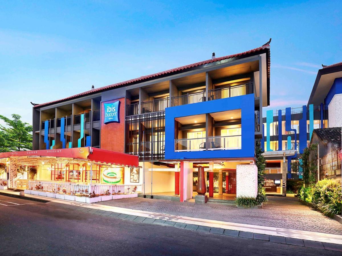 Отель  Ibis Budget Bali Seminyak