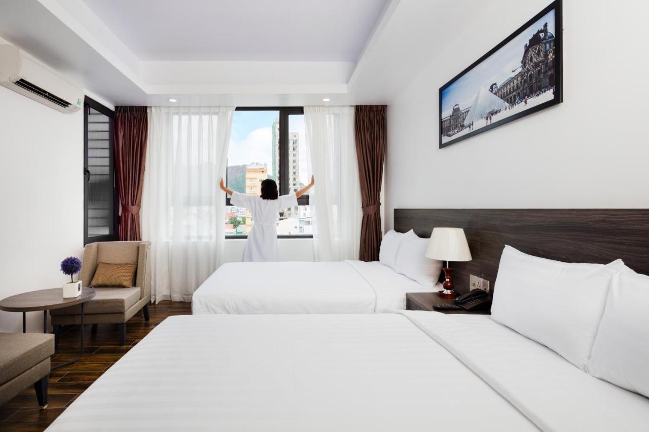 Отель  La Casa Hotel Nha Trang