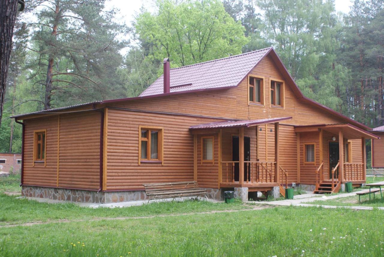 Дом для отпуска  База отдыха Салют