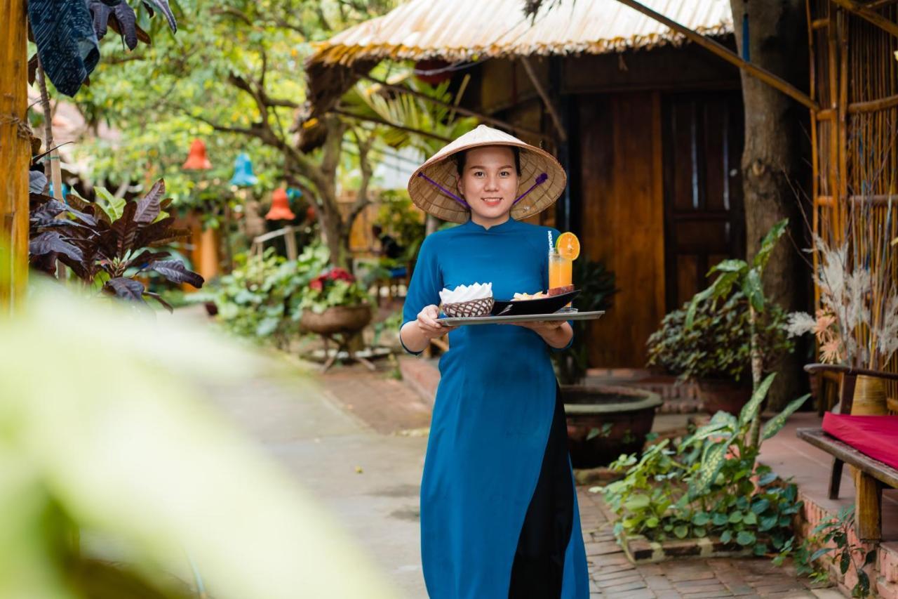 Проживание в семье  Under The Coconut Tree Hoi An Homestay