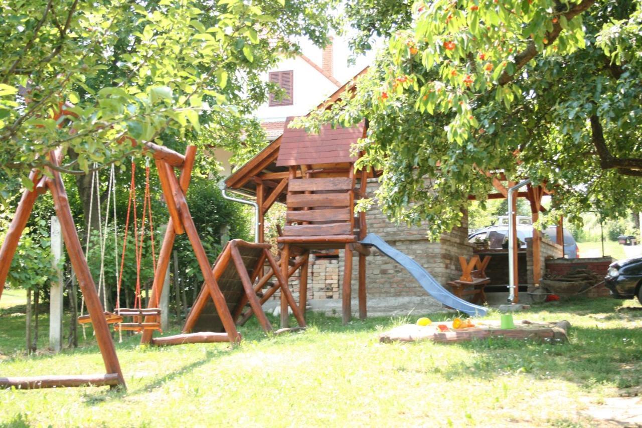 Ein Kinderspielbereich in der Unterkunft Szent Orbán Panzió