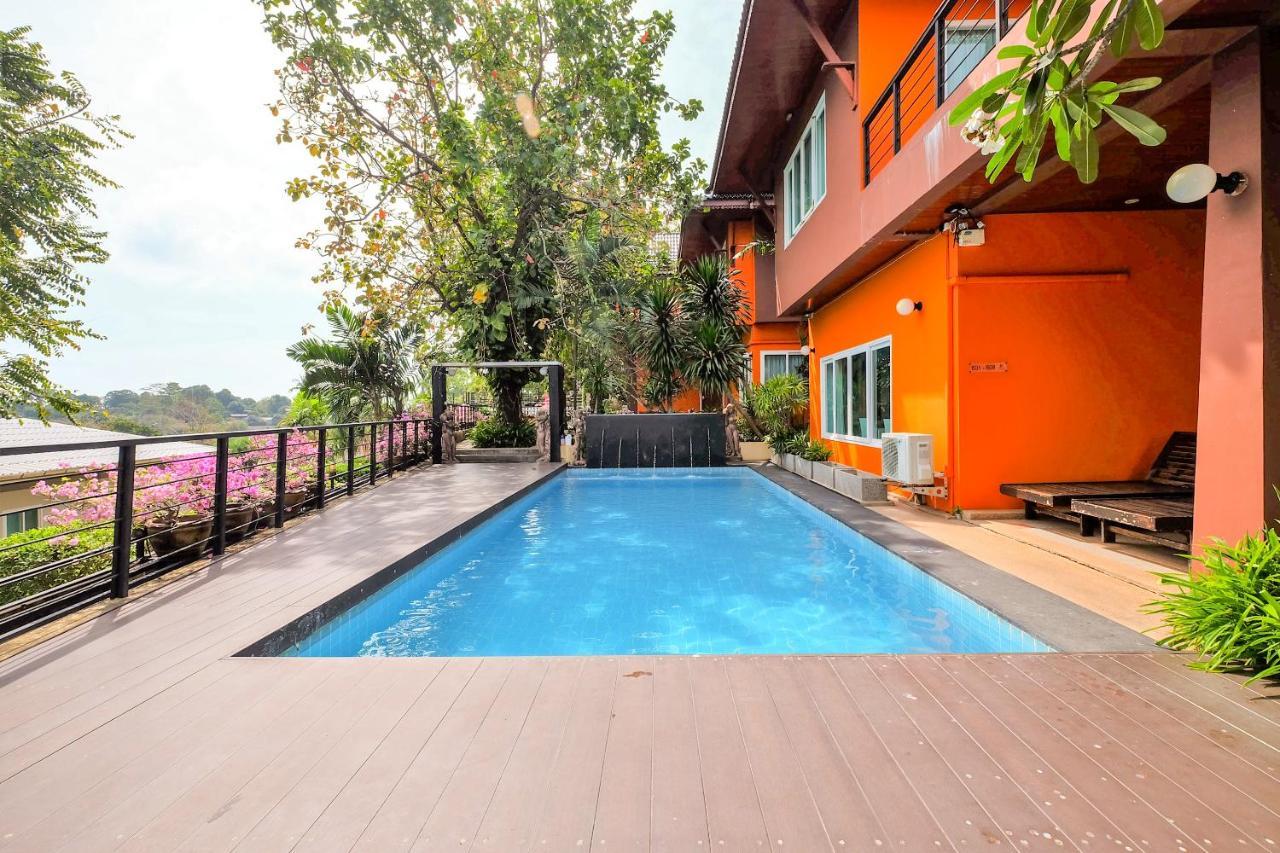 Курортный отель  OYO 626 The Chalet Phuket Resort
