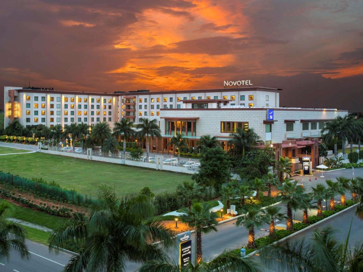 Отель  Отель  Novotel Hyderabad Airport