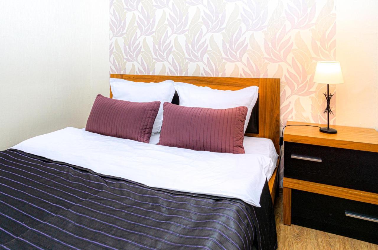 Апартаменты/квартира  БЕСКОНТАКТНОЕ ЗАСЕЛЕНИЕ - GoldenRingApartments - Super Location, Shedrina 38  - отзывы Booking