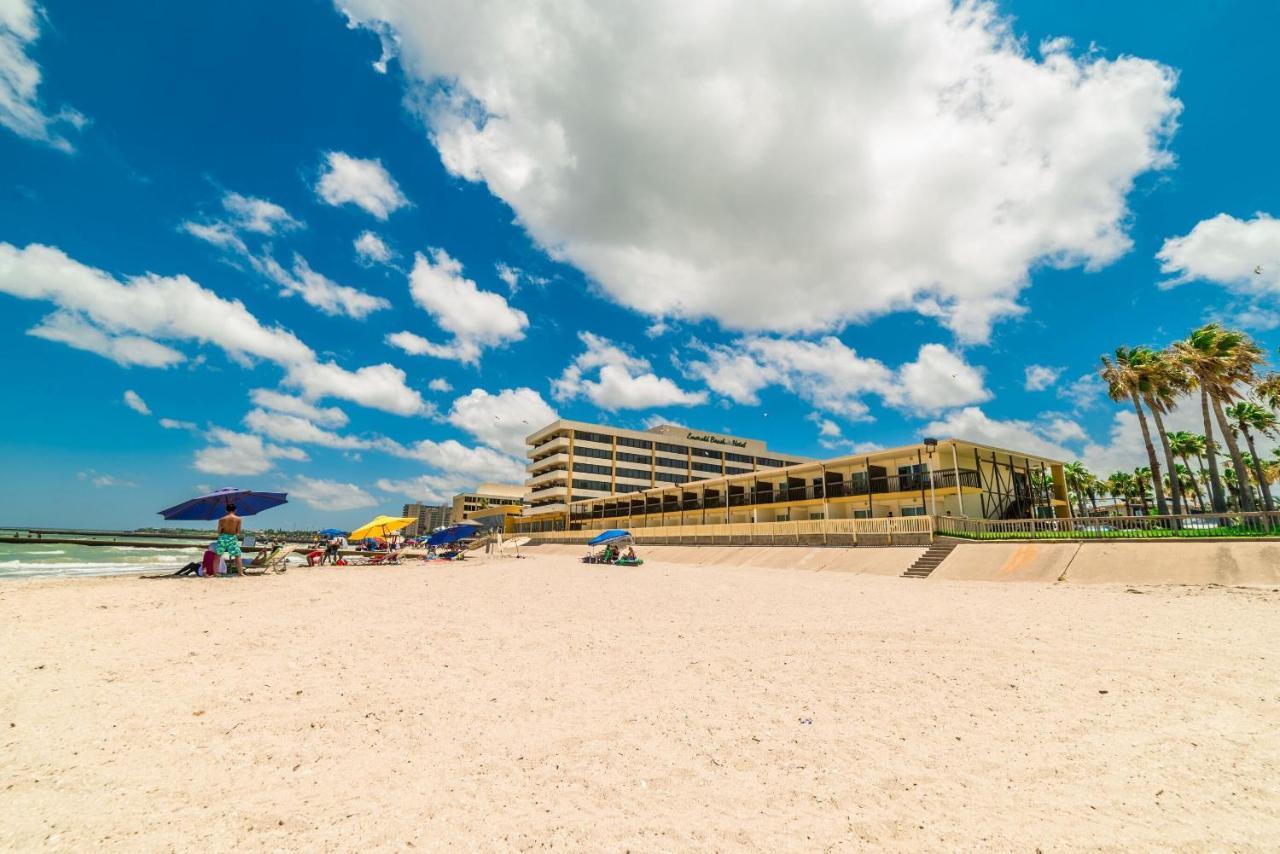 Отель  Отель  Emerald Beach Hotel