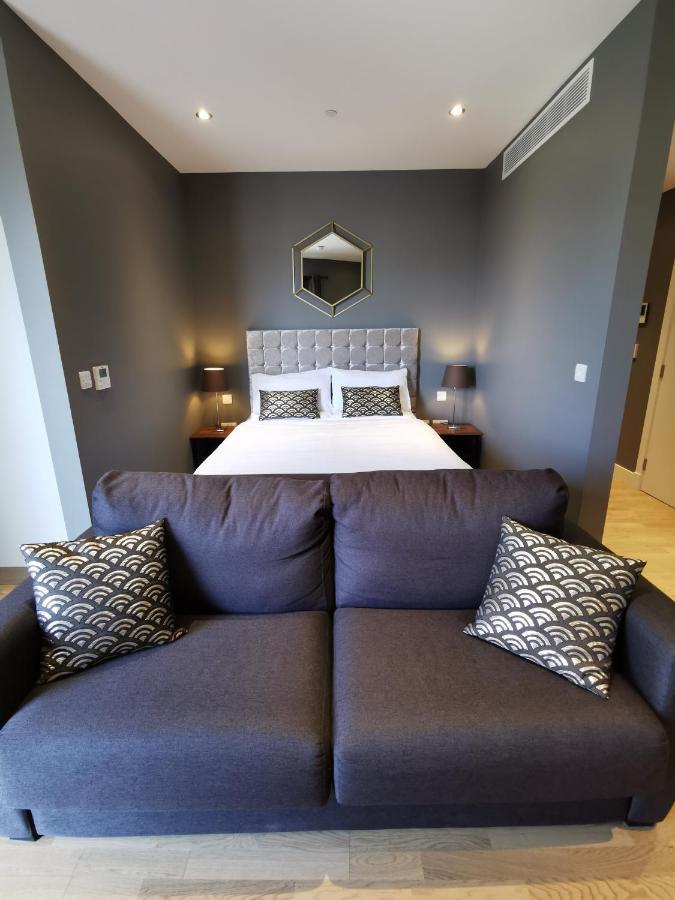 Апартаменты/квартира  BRAND NEW - Kings Wharf Quay29 - Large Studio With Pool Gym WiFi Rockviews - Gibraltar City