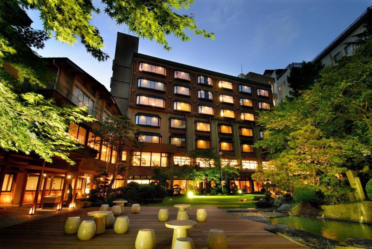 記念日におすすめのホテル・ほほえみの宿 滝の湯の写真1
