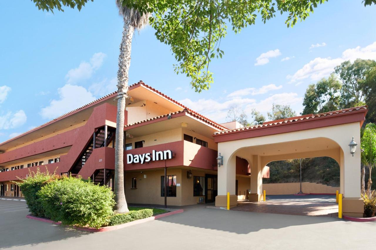 Отель  Days Inn By Wyndham Encinitas Moonlight Beach