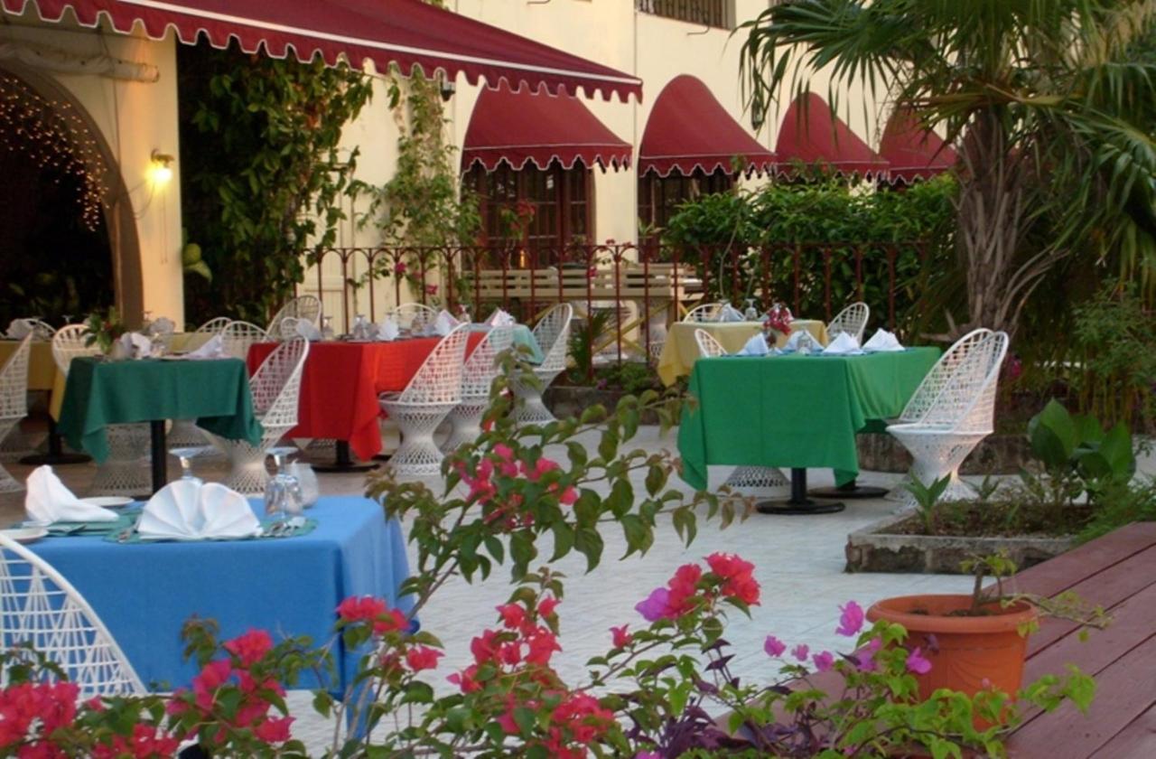 هتل Charela Inn