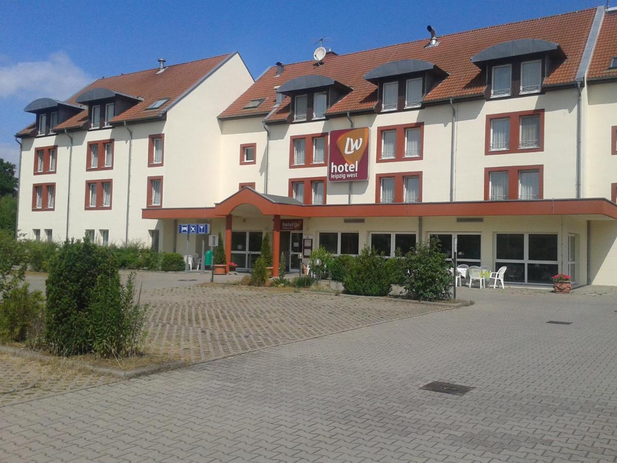 Отель  Hotel Leipzig West