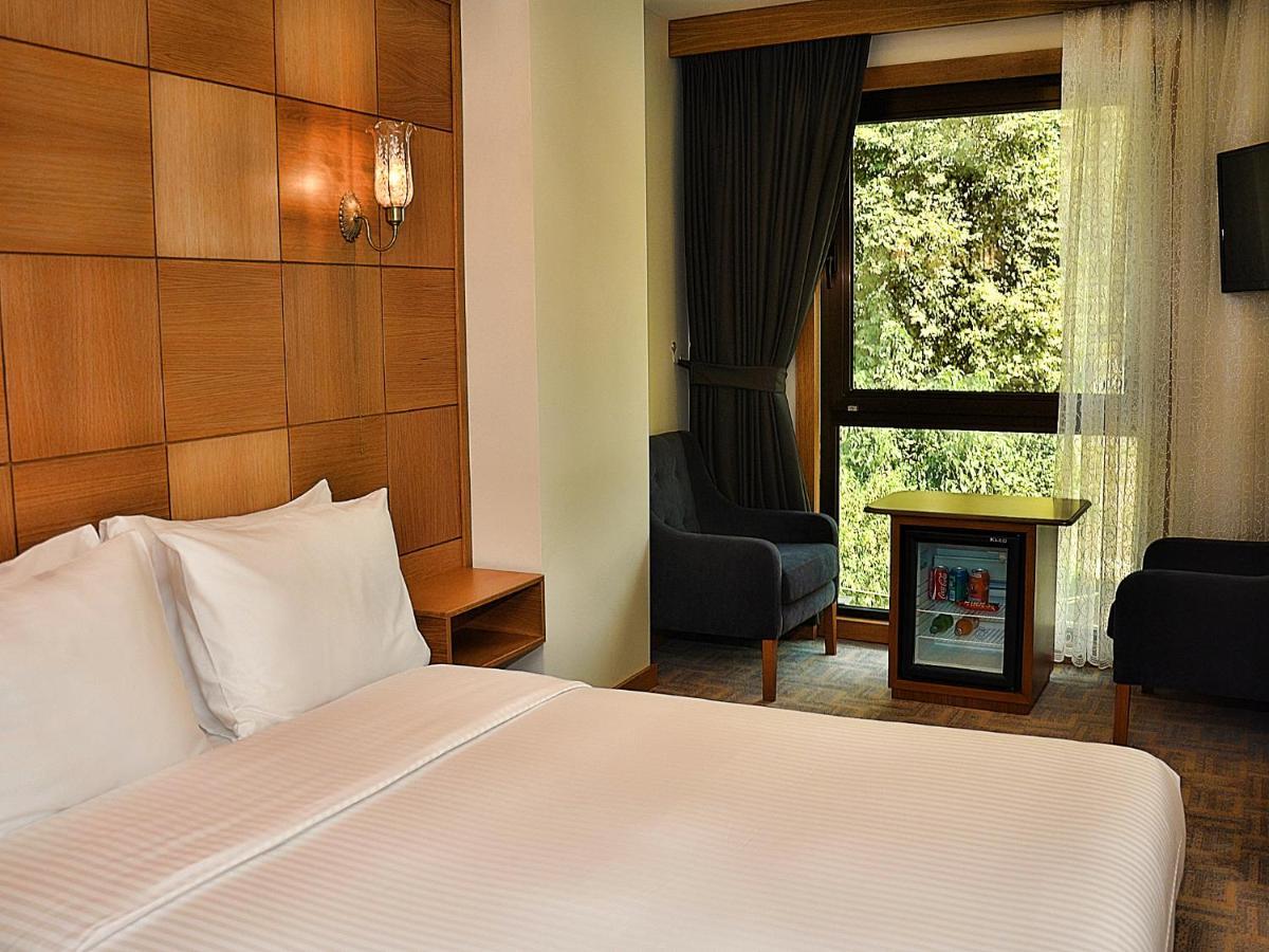 Отель  Cumbali Plaza Hotel