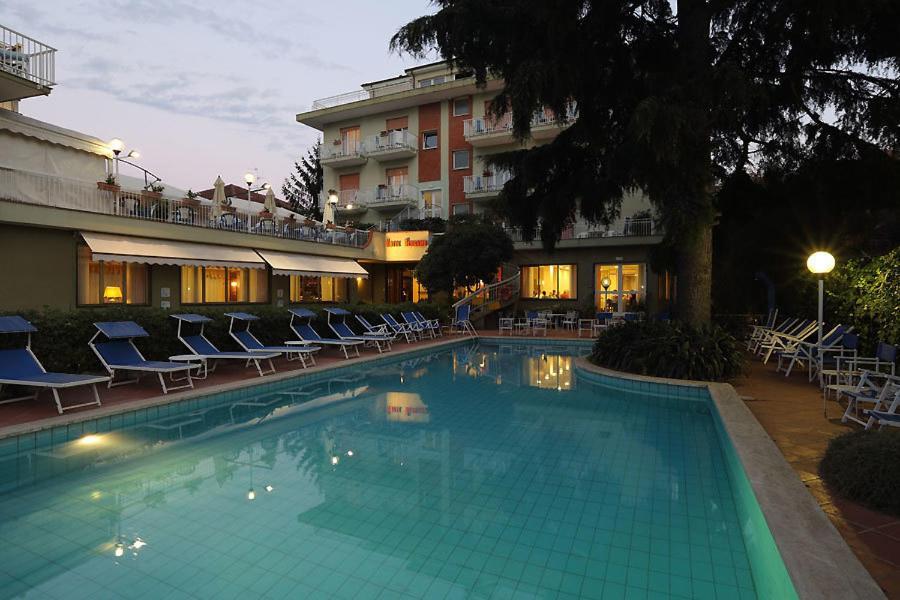 Отель  Hotel Bergamo