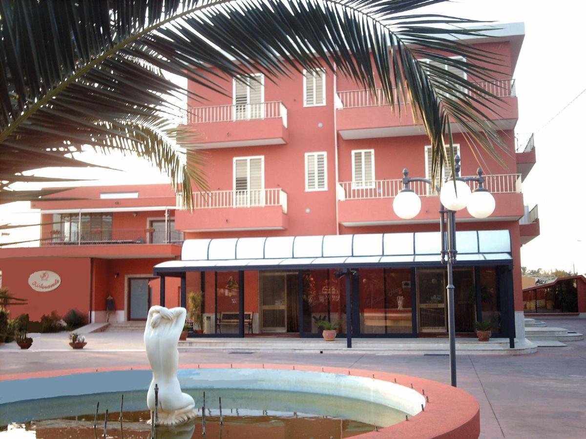 Отель  Отель  Hotel Ristorante Cordial