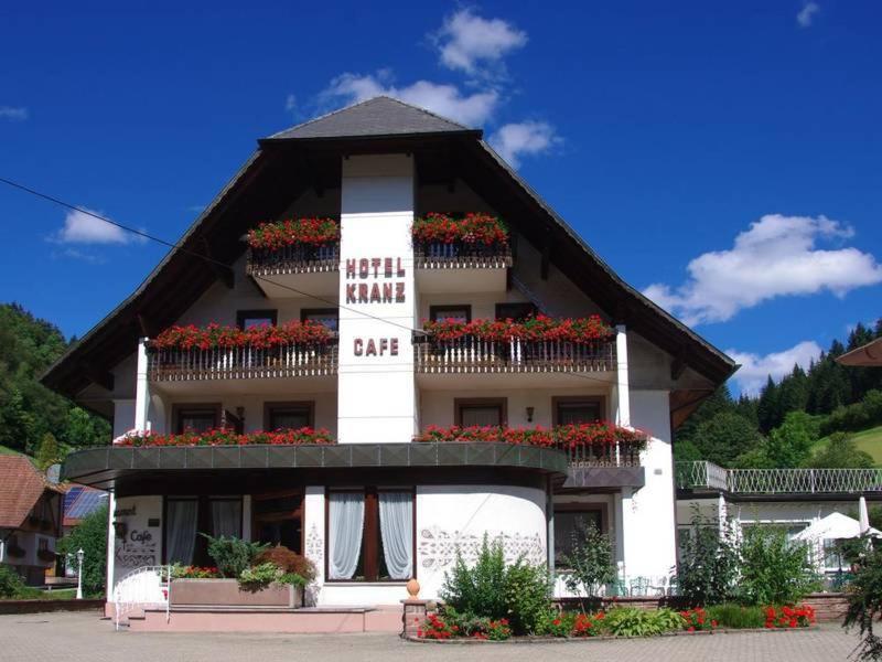 Отель  Zum Kranz Garni