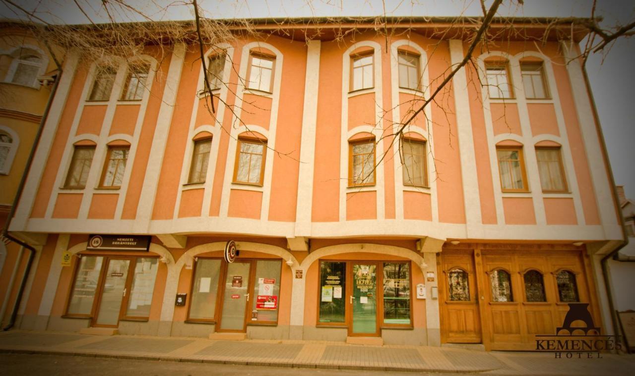 Гостевой дом  Kemencés Csárda és Panzió