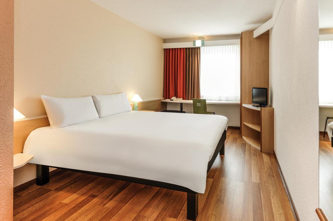 Отель  Ibis Jerez De La Frontera Cadiz