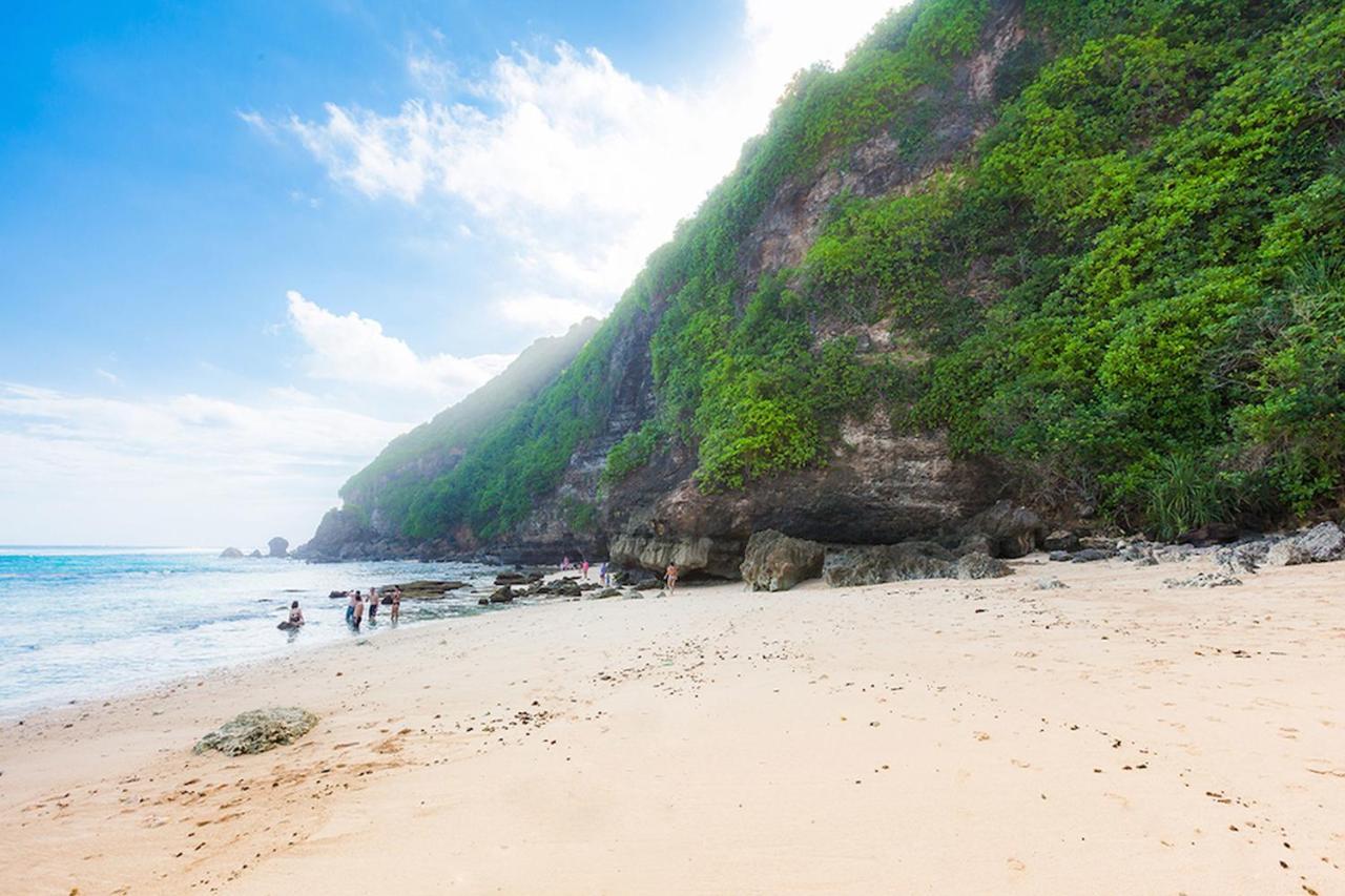 topan beach