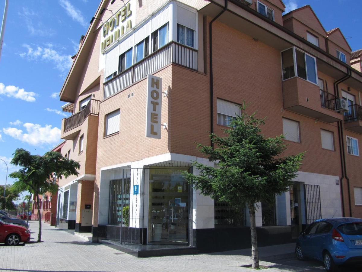 Отель  Hotel Velilla