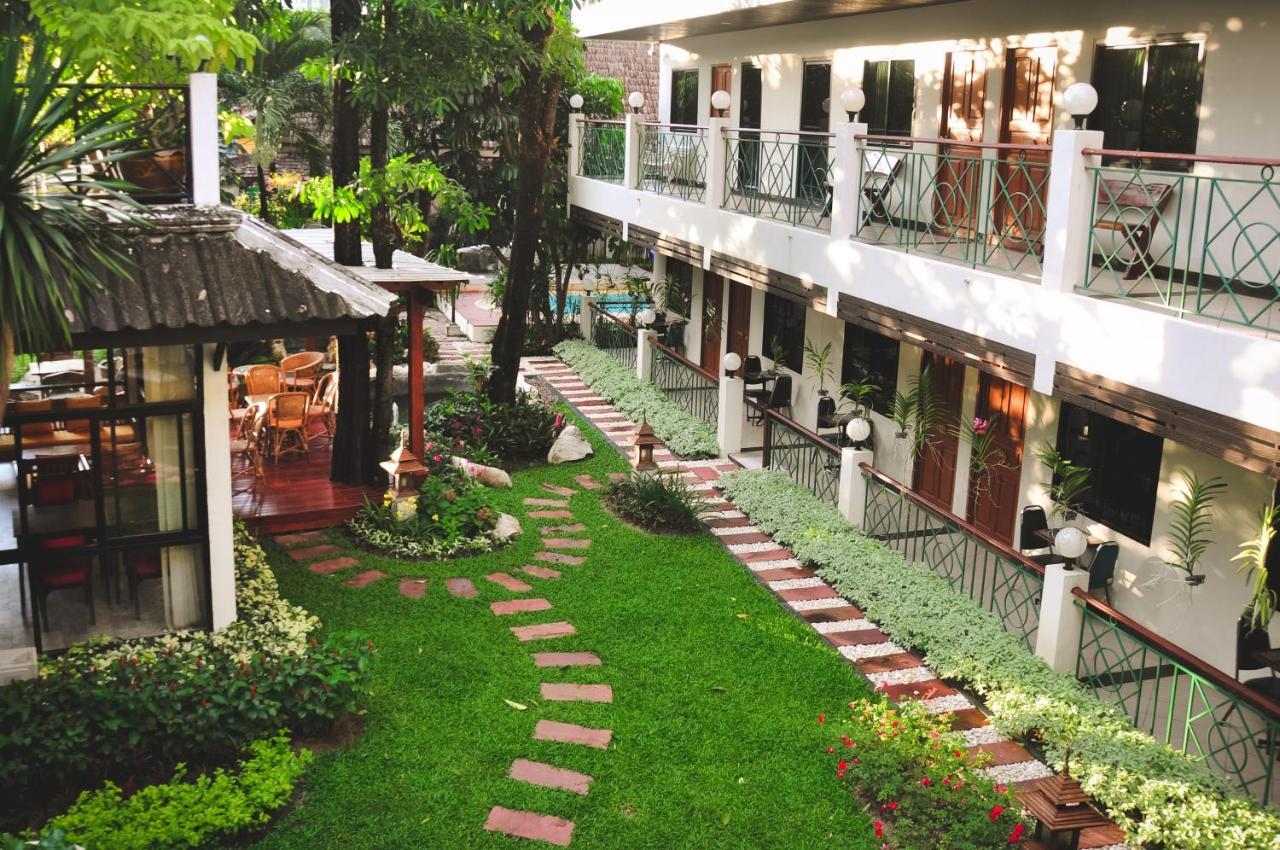 Отель  Charlie House Pin Klao