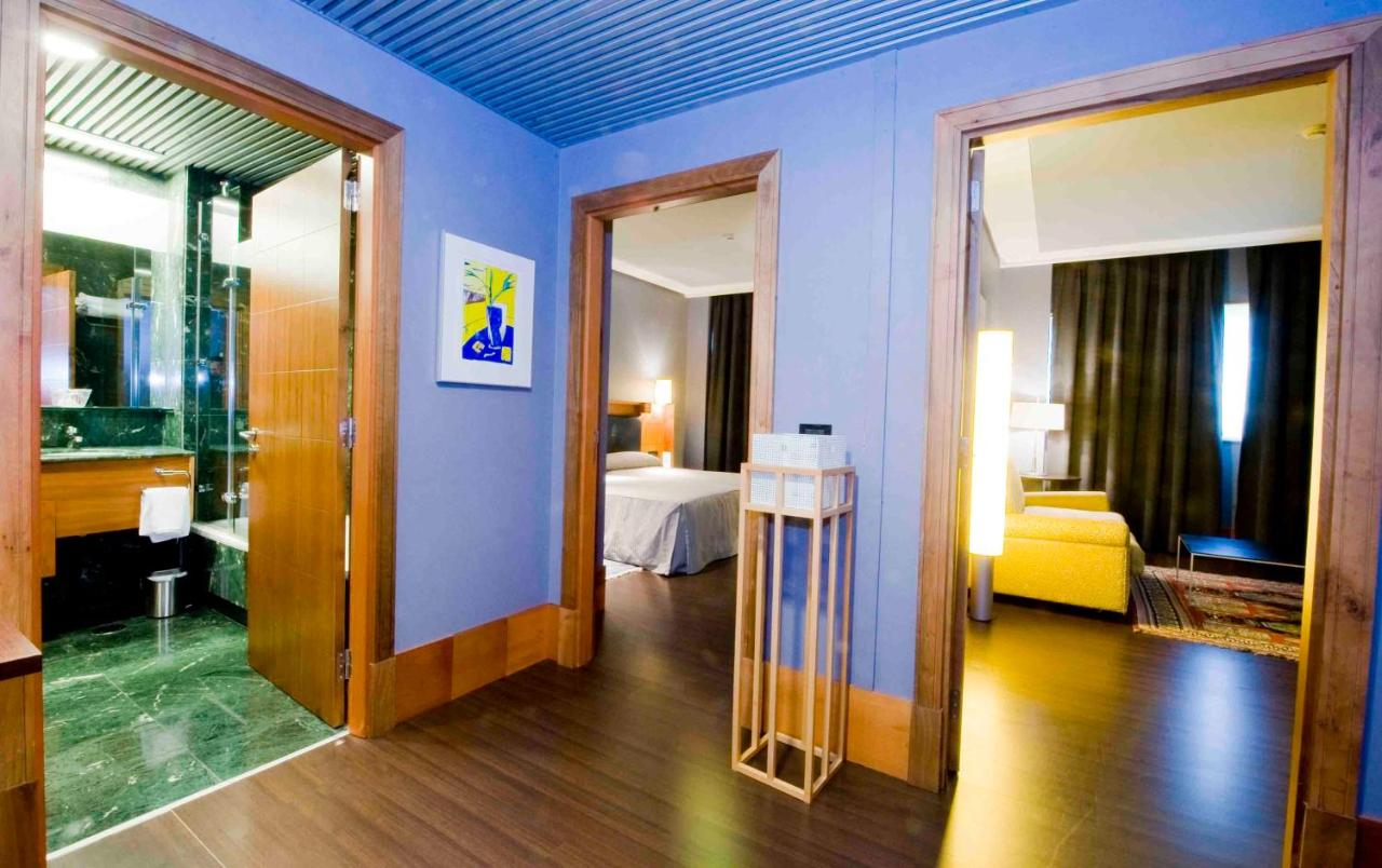 Gran Hotel Lakua (España Vitoria) - Booking.com
