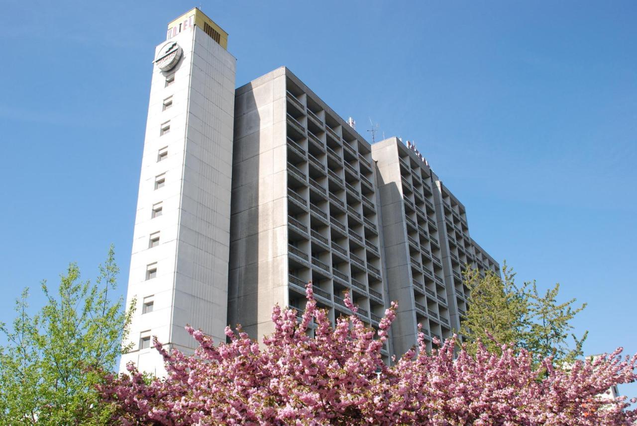 Отель  Intourist-Zakarpattia Hotel