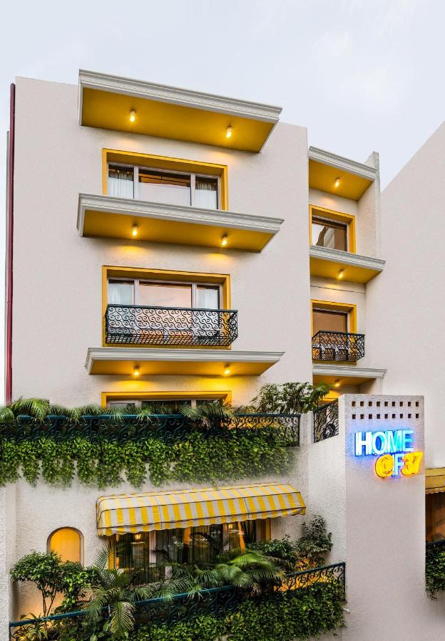 Отель  Home@F37 Kailash Colony Metro