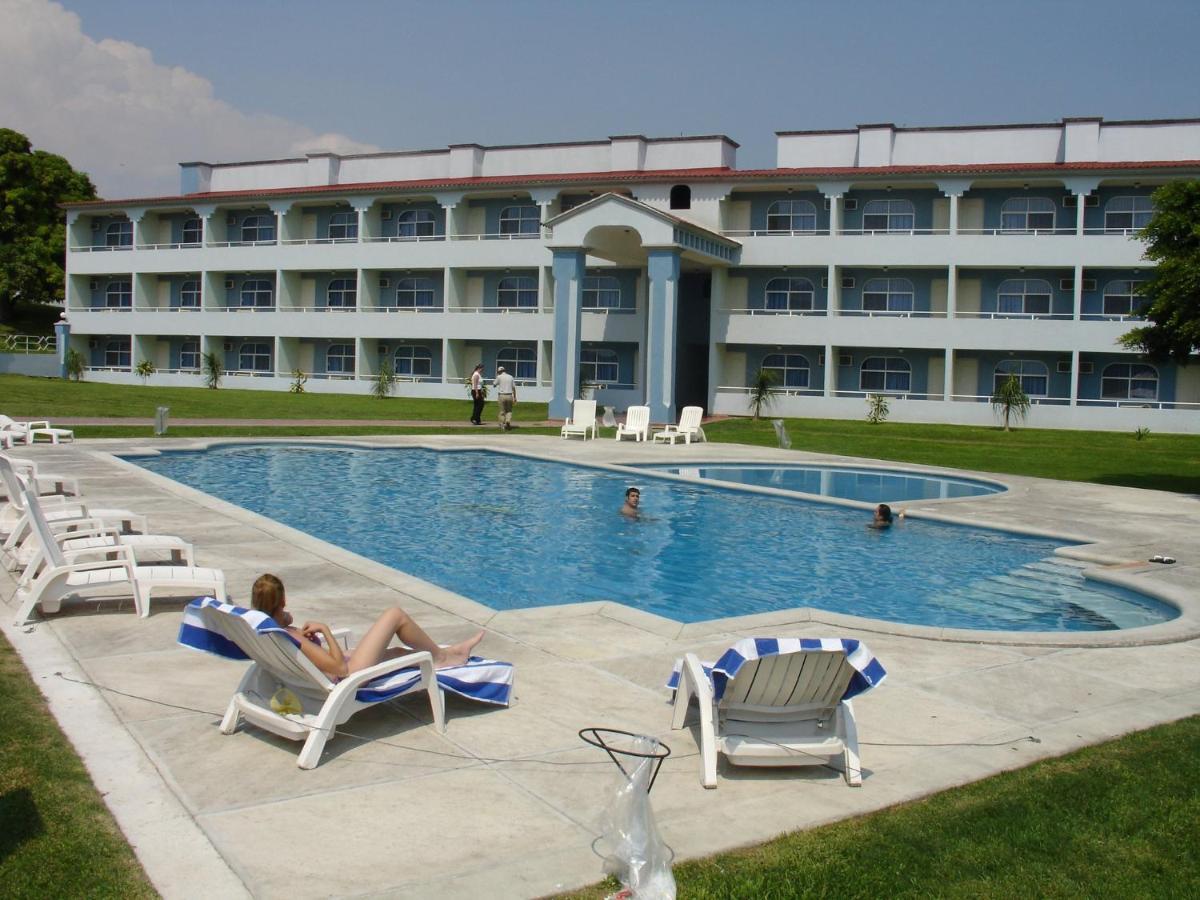 Отель  Dorados Conventions & Resort