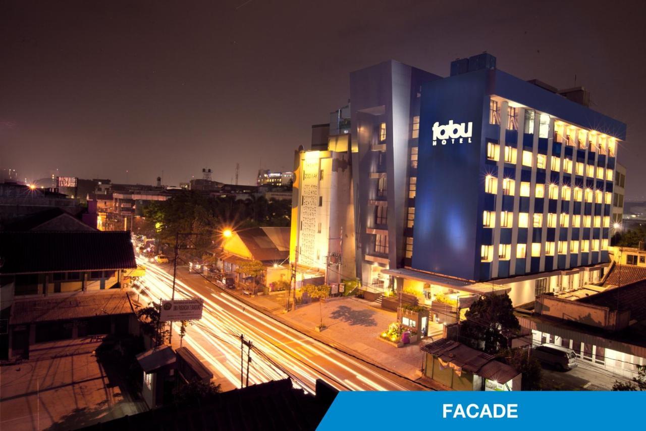 Фото  Отель  Fabu Hotel Bandung