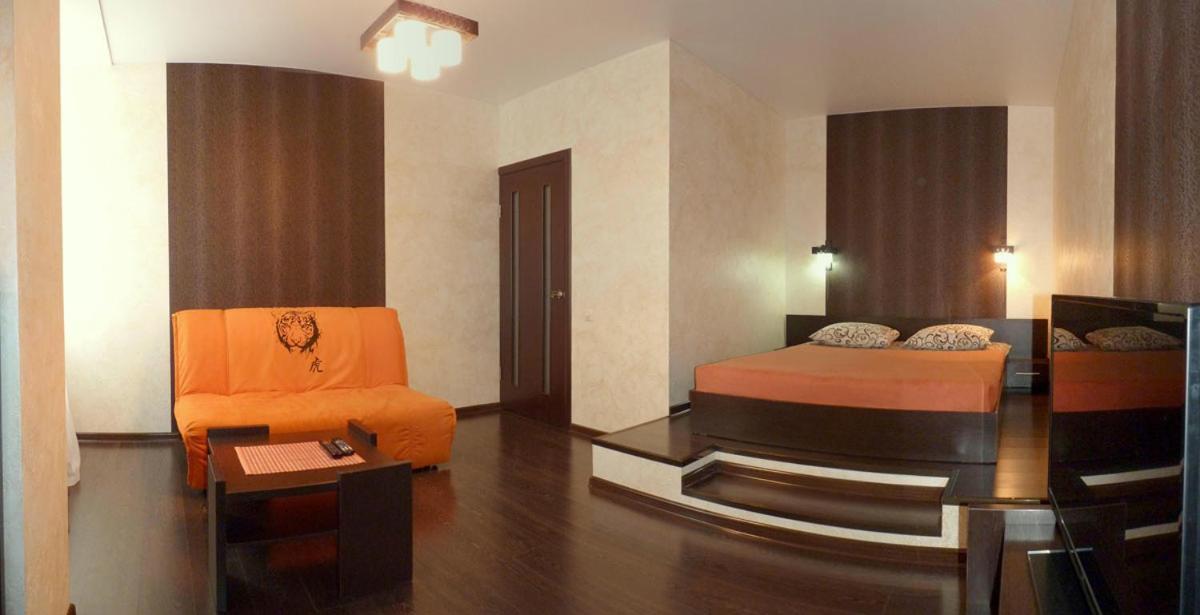 Фото  Апартаменты/квартиры  Apartment Oktyabrskoy Revolyutsii