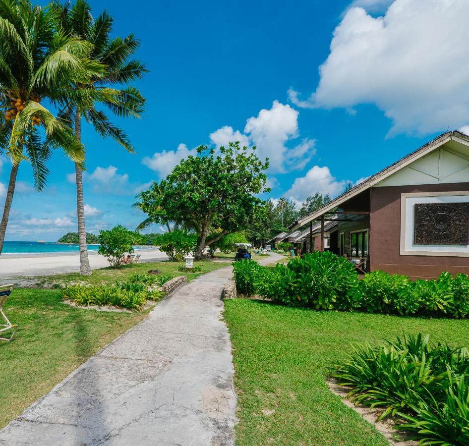 Курортный отель  Mayang Sari Beach Resort
