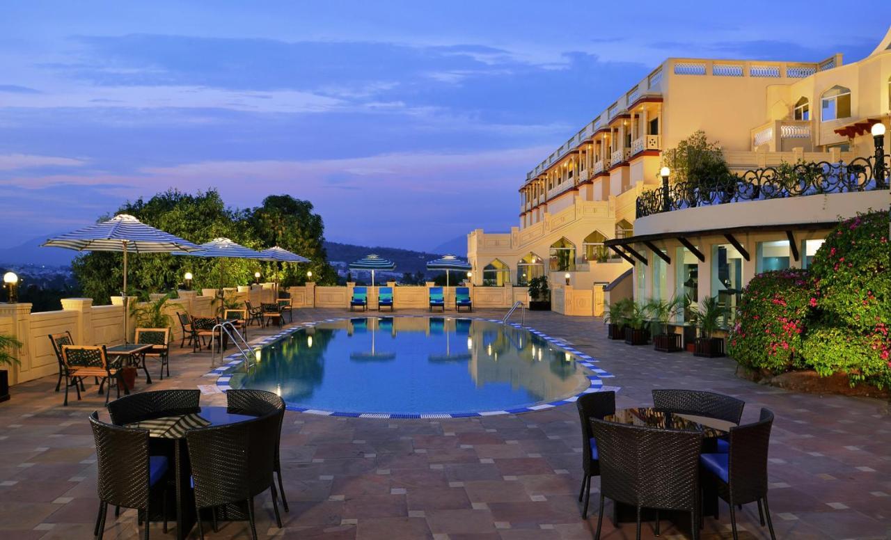 Отель  Отель  Noor-Us-Sabah Palace