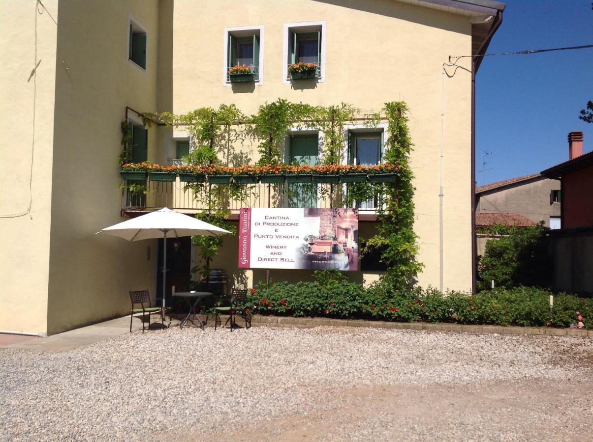 Azienda Agricola Porta Magenta agriturismo i mischi, castelnuovo del garda, italy - booking