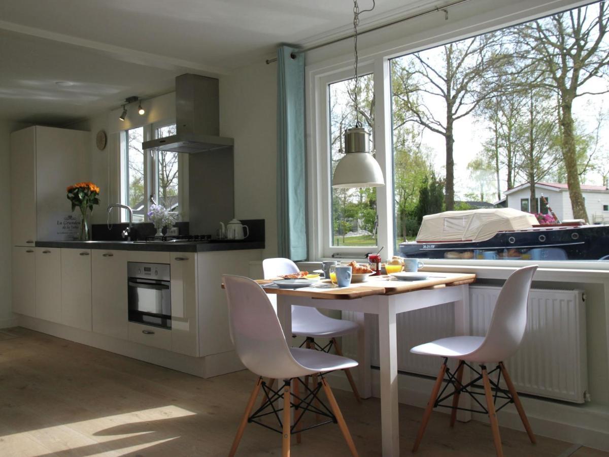 Дом для отпуска  Holiday Home Droom Op Het Water