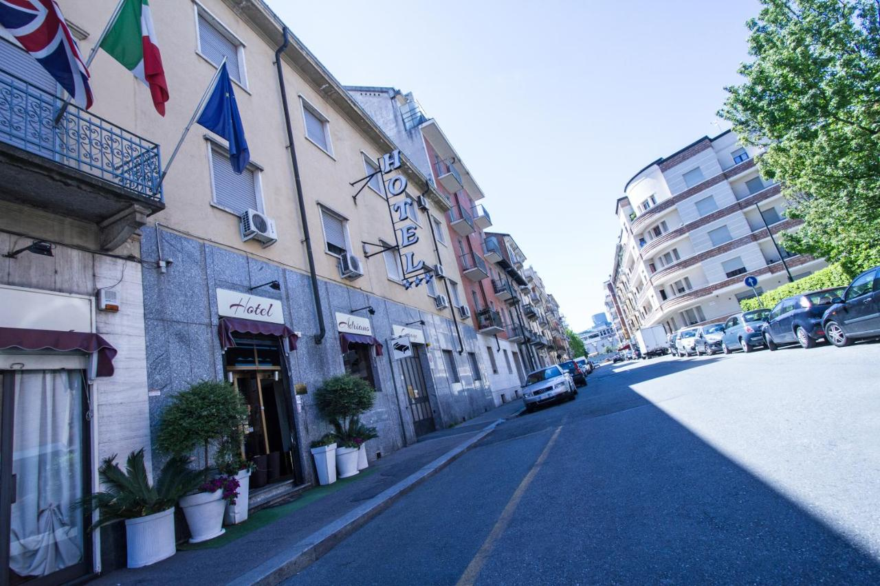 Отель  Hotel Adriano