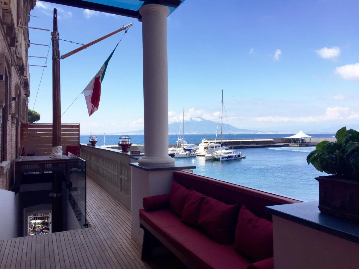 Фото  Отель типа «постель и завтрак»  Yacht Club Capo Cervo Suites B&B