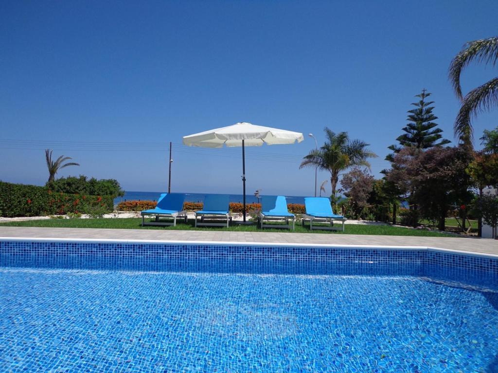 Вилла  Latchi Riviera Beach Villa No.2