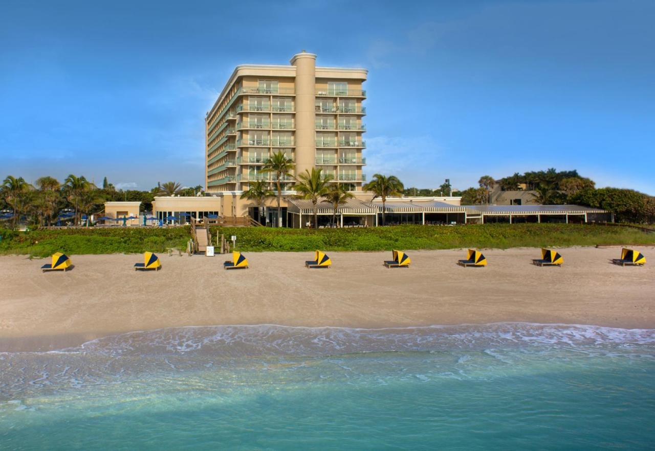 Курортный отель  Hilton Singer Island Oceanfront Resort